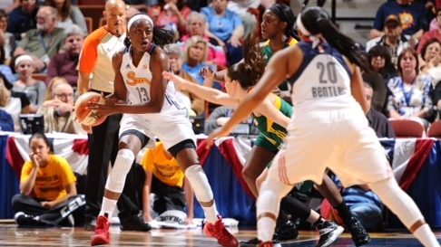 Chiney Ogwumike. Photo: Brian Babineau/NBAE.
