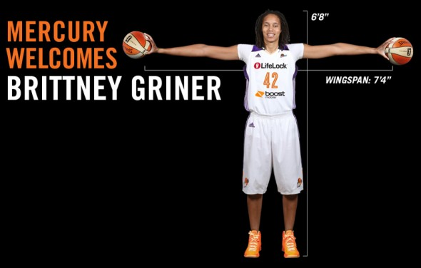 "Sport Science report: female with hand size 9.0'' x 9.5'' & wingspan 7'3.5""... profession??? Mercury_welcomes_Griner-590x376"