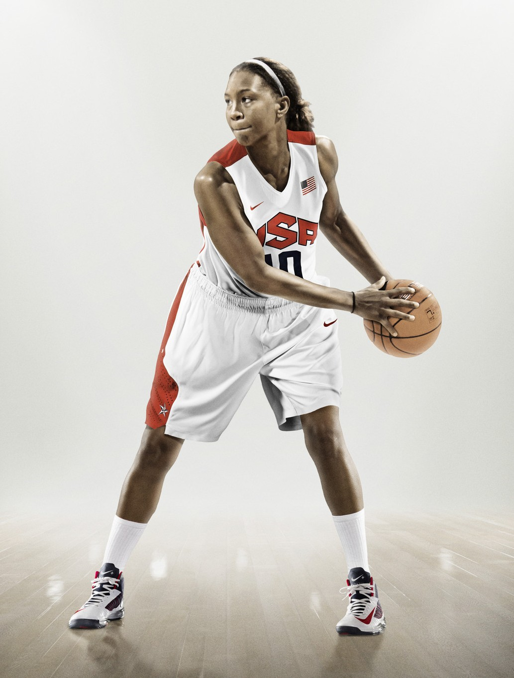 Nike unveils 2012 USA Basketball uniforms, Tamika ...